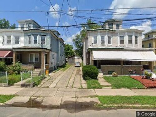 Click here to see a larger photo of Euclid ave